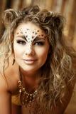 Meisje met een ongebruikelijke samenstelling als luipaard royalty-vrije stock foto's