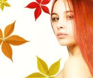 Meisje met een rood haar Stock Afbeelding