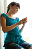 Meisje met een telefoon Royalty-vrije Stock Fotografie