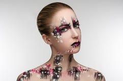 Meisje met een zwarte en roze make-up royalty-vrije stock afbeeldingen