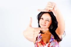 Meisje met frame gebaar. Nadruk op vingers Royalty-vrije Stock Afbeelding