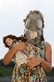 Meisje met gasmasker Stock Afbeelding