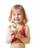 Meisje met gebakje dat op wit wordt geïsoleerd Royalty-vrije Stock Foto
