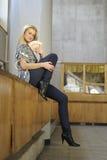 Meisje met geld Stock Foto