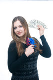 Meisje met geld en giftbox in haar handen Stock Foto