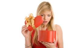 Meisje met gift Stock Foto's