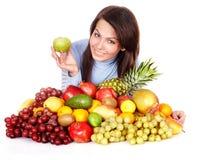 Meisje met groep fruit en groenten. Royalty-vrije Stock Fotografie