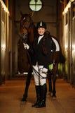 Meisje met haar paard Stock Afbeelding