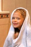 Meisje met handdoek royalty-vrije stock foto