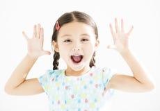 Meisje met handen up royalty-vrije stock afbeeldingen