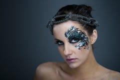 Meisje met het mooie artistieke gezicht schilderen Royalty-vrije Stock Afbeelding