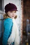 Meisje met hoed en sjaal Stock Fotografie