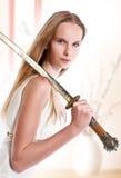 Meisje met Japans zwaard Royalty-vrije Stock Afbeelding
