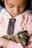 Meisje met katje Royalty-vrije Stock Foto