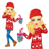 Meisje met Kerstmisdecoratie Stock Foto's