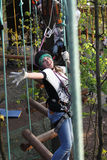 Meisje met klimmermateriaal stock afbeeldingen