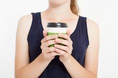 Meisje met koffie Ochtenddrank Hoogste mening Spot omhoog De ruimte van het exemplaar malplaatje spatie stock foto