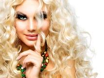 Meisje met Krullend Blond Haar stock foto