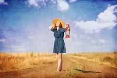 Meisje met lamp Stock Fotografie