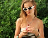 Meisje met lippenstift Royalty-vrije Stock Foto