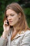 Meisje met mobiele telefoon Royalty-vrije Stock Afbeeldingen