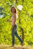 Meisje met netto vlinder royalty-vrije stock foto's