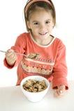 Meisje met ontbijt Royalty-vrije Stock Afbeelding