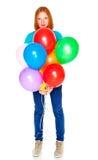 Meisje met opblaasbare die ballons op witte achtergrond wordt geïsoleerd Royalty-vrije Stock Foto