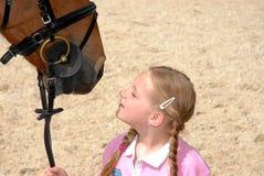 Meisje met paard Royalty-vrije Stock Foto's