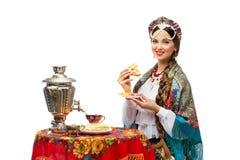 Meisje met pannekoek Royalty-vrije Stock Fotografie