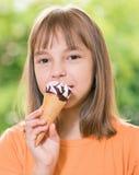 Meisje met Roomijs Stock Foto