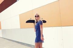 In meisje met skateboard Royalty-vrije Stock Foto