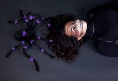 Meisje met spin Stock Afbeeldingen