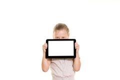 Meisje met tabletcomputer Stock Foto