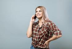 Meisje met telefoon Stock Foto