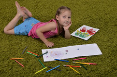 Meisje met tellers en sketchbooks Royalty-vrije Stock Fotografie