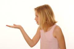 Meisje met uitgestrekte hand Royalty-vrije Stock Fotografie