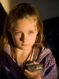 Meisje met verre TV   Royalty-vrije Stock Foto
