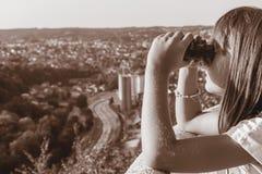 Meisje met Verrekijkers Royalty-vrije Stock Afbeelding