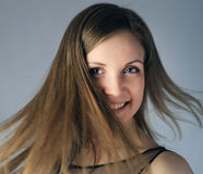 Meisje met vliegend haar Stock Foto