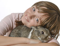 Meisje met weinig konijn Royalty-vrije Stock Foto's