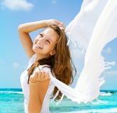 Meisje met Witte Sjaal Stock Afbeelding