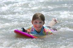 Meisje in Oceaan Stock Fotografie