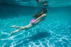 Meisje onderwater Stock Afbeeldingen