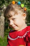 Meisje op de weide in de lentedag Royalty-vrije Stock Fotografie