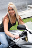 Meisje op een Motorfiets royalty-vrije stock foto's