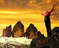 Meisje op een rots Stock Afbeelding