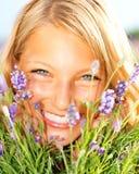 Meisje op het Gebied van de Lavendel Stock Foto