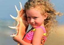 Meisje op het Overzees Royalty-vrije Stock Afbeeldingen