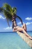 Meisje op het strand van Jamaïca Stock Foto